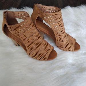 Qupid cut out heels